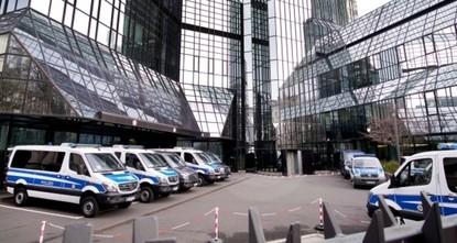 الشرطة الألمانية تفتش مكاتب أعضاء مجلس إدارة دويتشه بنك