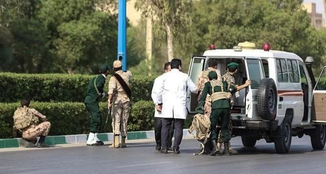 24 قتيلاً وعشرات الجرحى في هجوم على عرض عسكري جنوبي إيران