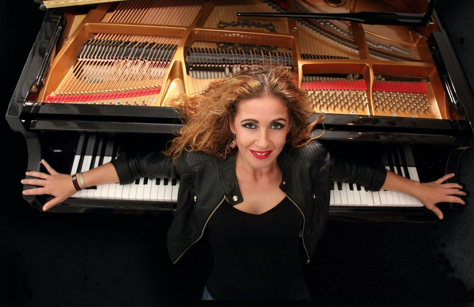 The 19th International Antalya Piano Festival will start with Laura De Los Angelesu2019s performance.