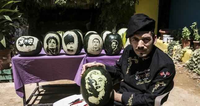 ميسي ورونالدو وجاكسون.. على قشور بطيخ في تركيا