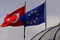 EU's migrant deal with Turkey too big to fail, Washington think-tank says