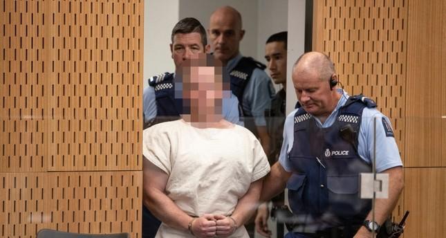 الإرهابي منفذ مجزرة نيوزيلندا يمثل أمام المحكمة لأول مرة بتهمة القتل