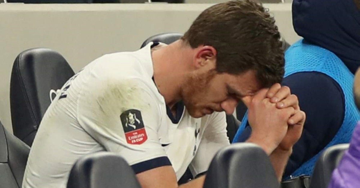 Tottenham Hotspur's Jan Vertonghen on the bench after being substituted (Reuters Photo)