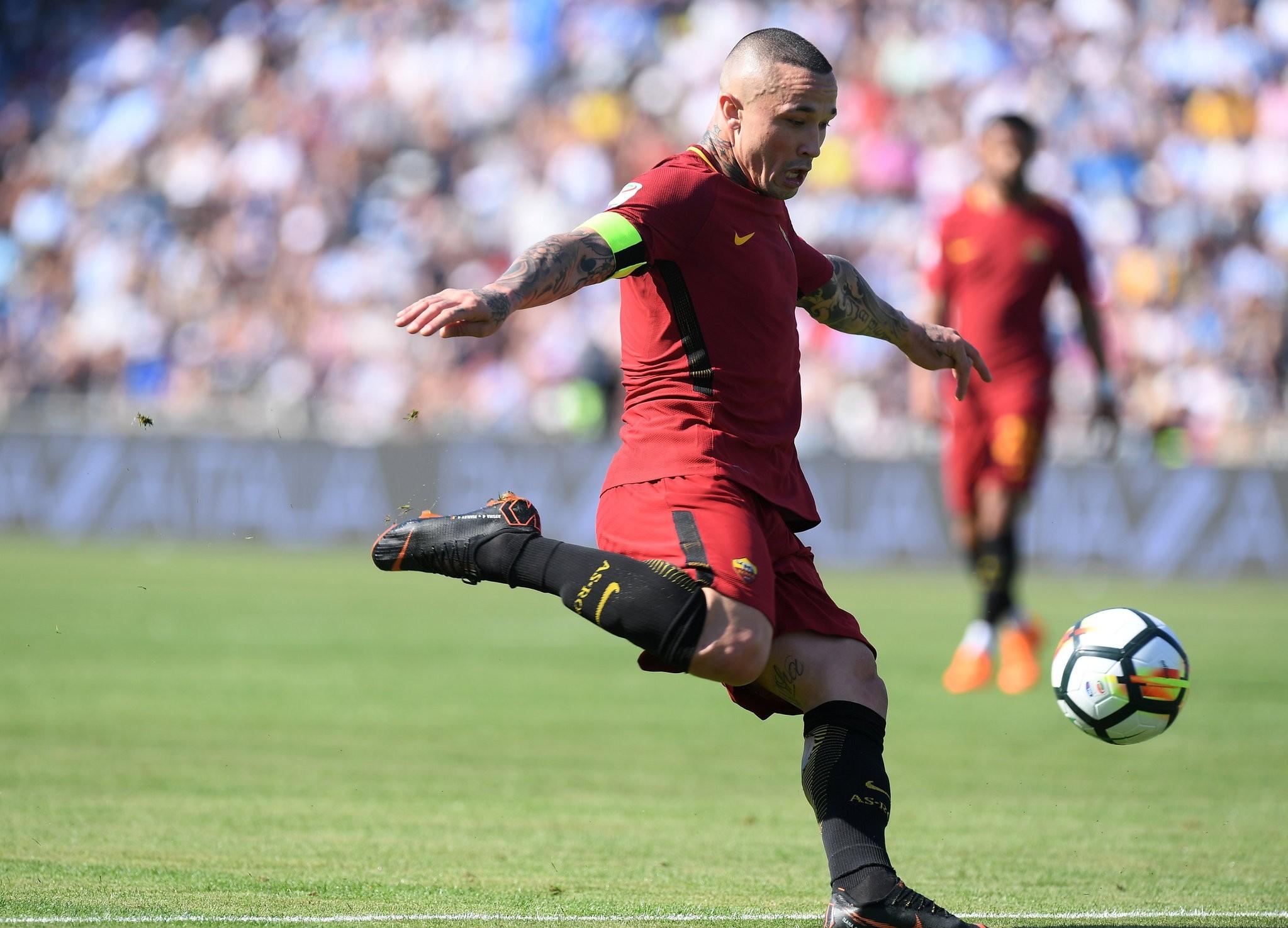 Roma's Radja Nainggolan scores their second goal on April 21, 2018. (Reuters Photo)