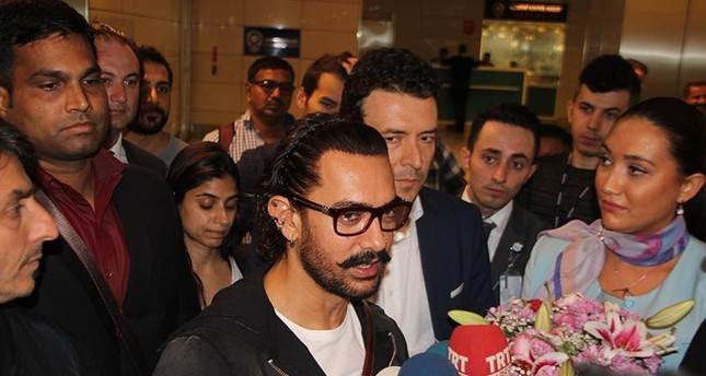 Indian Actor Aamir Khan (center) pictured in Istanbul Atatürk Airport on Wednesday, October 4, 2017 (AA Photo)