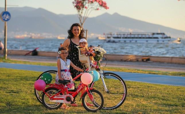 Fancy Women Bike Ride: Cycling every day
