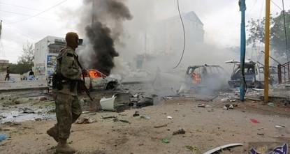 إصابات بهجوم انتحاري أمام ملعب كرة قدم وسط الصومال