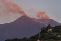 2 airports closed after Italy's Etna volcano erupts