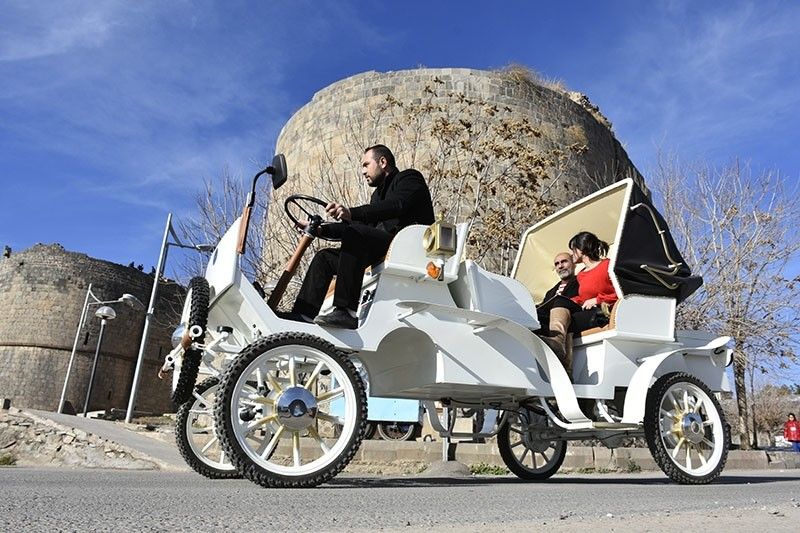 Electrically-powered horse carriage on the streets of Diyarbaku0131r (AA Photo)