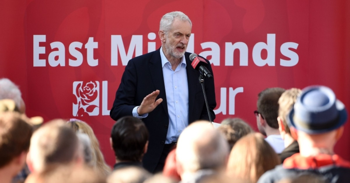Labour Party leader Jeremy Corbyn addresses a rally on February 23, 2019, in Broxtowe, central England. (AFP Photo)