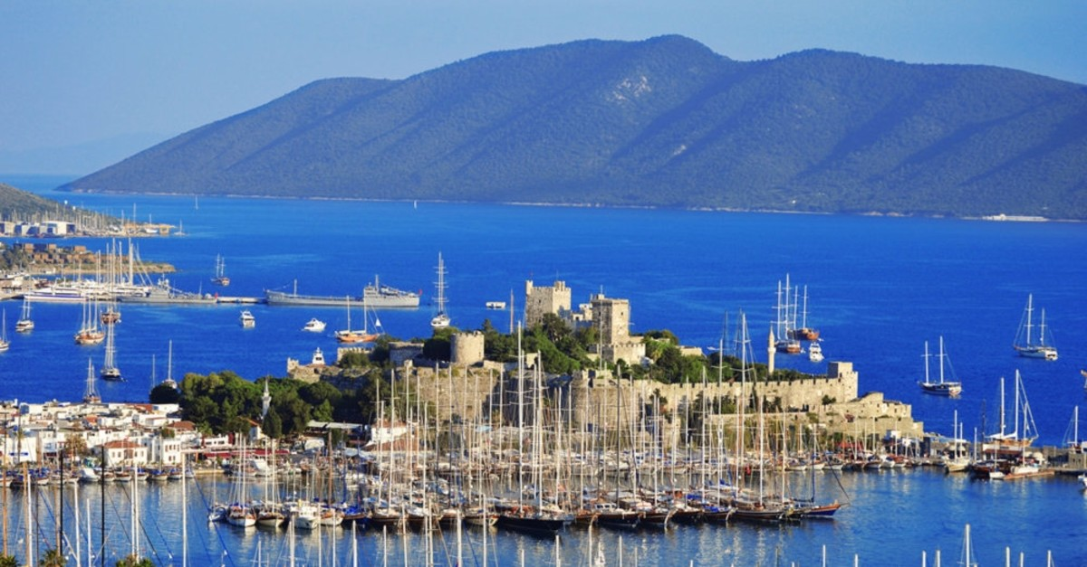 Built in the early 15th century, Bodrum Castle is the landmark of the resort town in Muu011fla.