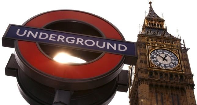 عمدة لندن الجديد يحارب الإعلانات ذات الإيحاءات الجسدية
