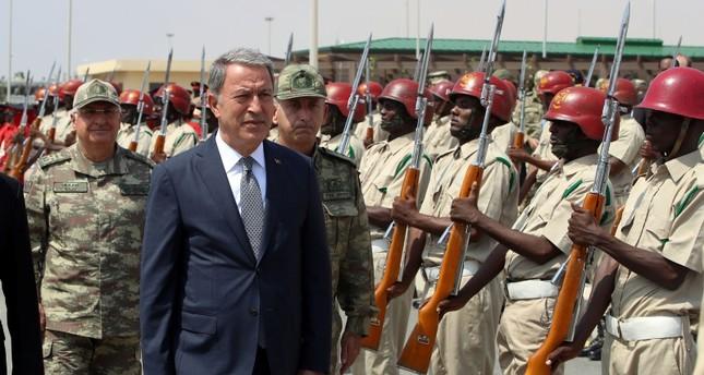 وزير الدفاع التركي: لن نسمح بممر إرهابي على حدودنا الجنوبية