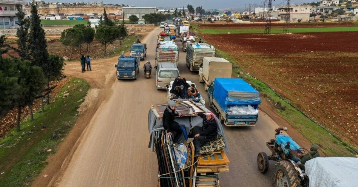 Kilometers-long convoys of vehicles were observed on roads toward the north of Idlib, Feb. 7, 2020. (Photo by Uu011fur Yu0131ldu0131ru0131m)