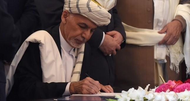 قلب الدين حكمتيار يوقع اتفاق سلام مع الحكومة