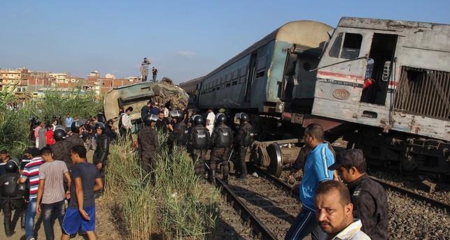مصر.. ارتفاع ضحايا تصادم قطاري الإسكندرية إلى 49