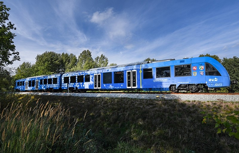 The world's first hydrogen fuel cell train on its way to Bremervoerde, northern Germany, Sept. 16, 2018. (EPA Photo)