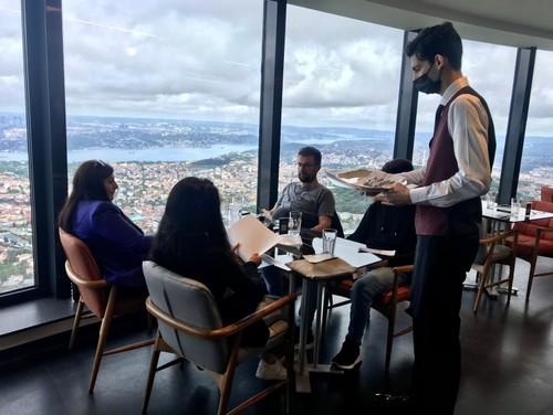 دليل المقيمين والسياح العرب لزيارة برج تشامليجا في إسطنبول