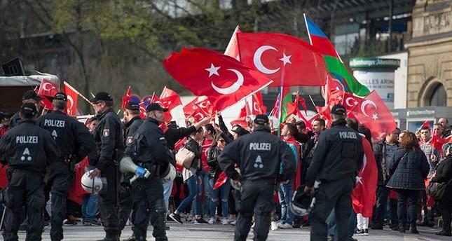 ألمانيا تمنع متظاهرين من إجراء اتصال عبر دائرة تلفزيونية مغلقة مع أردوغان