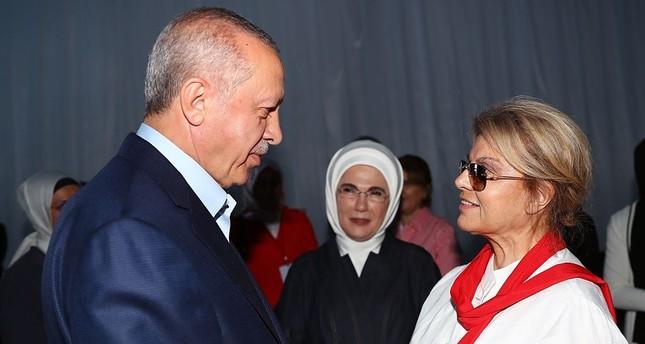 أول رئيسة وزراء لتركيا تشارك في مهرجان العدالة والتنمية بإسطنبول