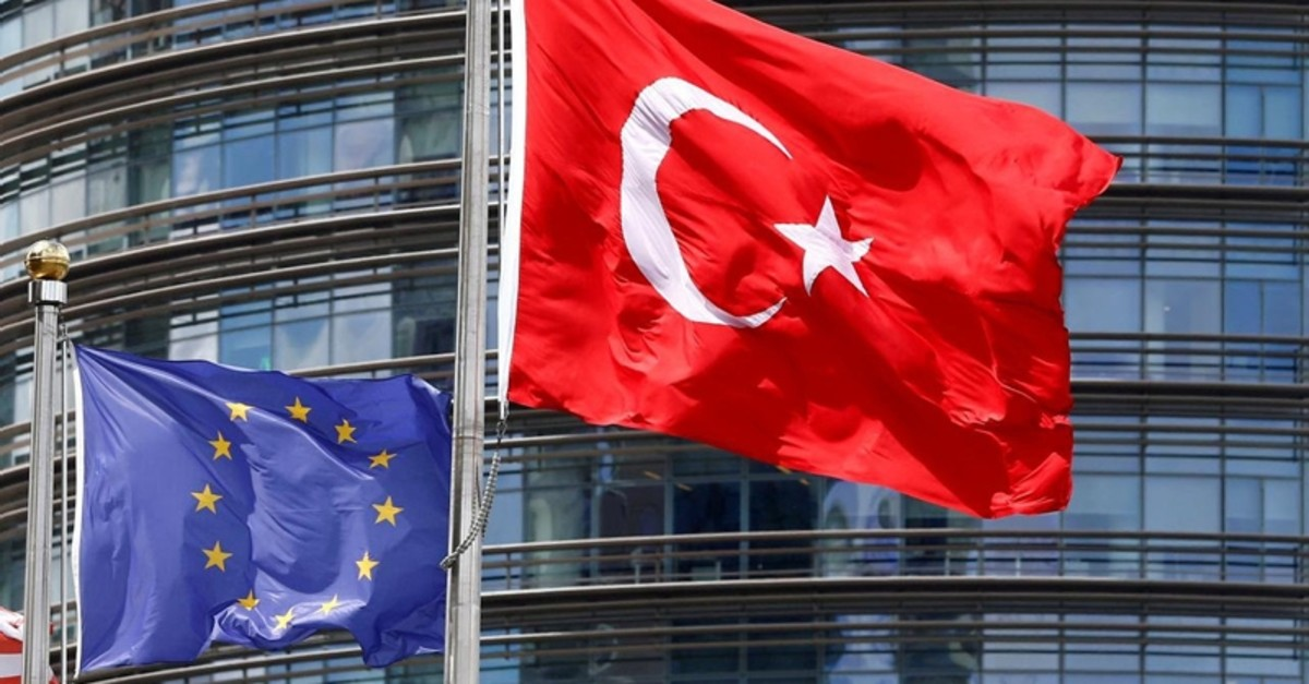 European Union, left, and Turkish flag fly outside a hotel in Istanbul, Turkey, May 4, 2016. (Reuters Photo)