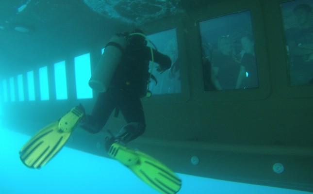 Stay dry, explore aquatic world on Turkey's first domestic semi-submarine