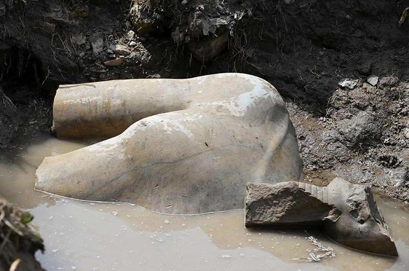 A statue workers say depicts Pharaoh Ramses II who ruled Egypt over 3,000 years was unearthed on Thursday in the Matariya area in Cairo, Egypt, March 9, 2017. (Reuters Photo)