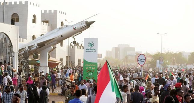 حزب الامة بزعامة الصادق المهدي في السودان يرفض الإضراب العام في البلاد