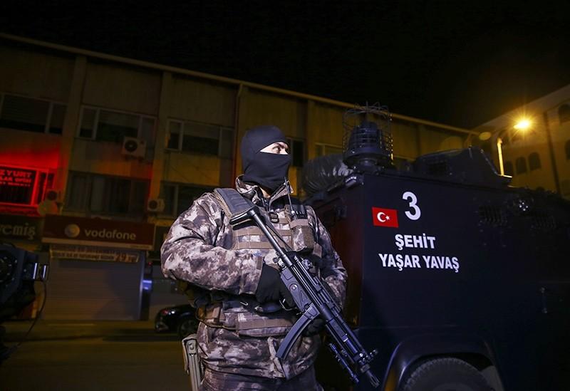 Counterterror squads conduct raids on Daesh-linked addresses in Turkey's Ankara, Nov. 9, 2017 (AA Photo)