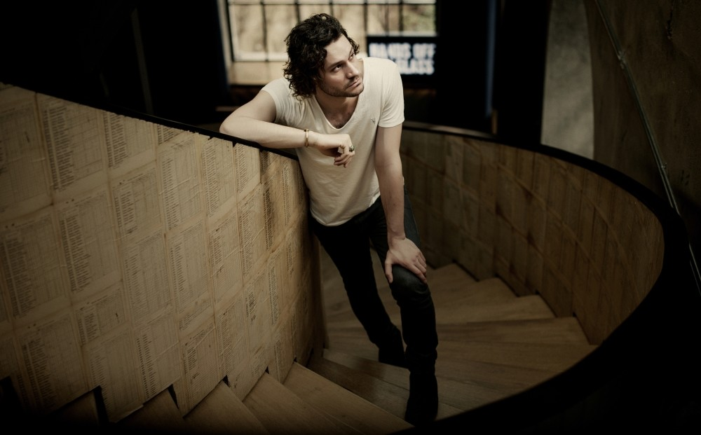 New Yorker Allen Hulsey currently lives and makes music in Istanbul.