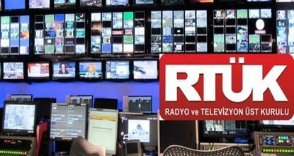 قالت مصادر تركية إن الهيئة العليا للإذاعة والتلفزيون في البلاد قررت وقف بث عدد من الفضائيات التي تعمل من إقليم شمال العراق على القمر التركي