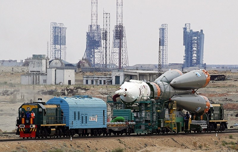 A Russian Soyuz TMA-17M spacecraft is transported to the launchpad by train at the Baikonur Cosmodrome, Kazakhstan. (EPA File Photo)