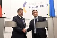 Bundesaußenminister Sigmar Gabriel (SPD) hat Russlands Anforderungen an eine bewaffnete UN-Mission in der Ostukraine erneut zurückgewiesen. Die russischen Vorschläge seien