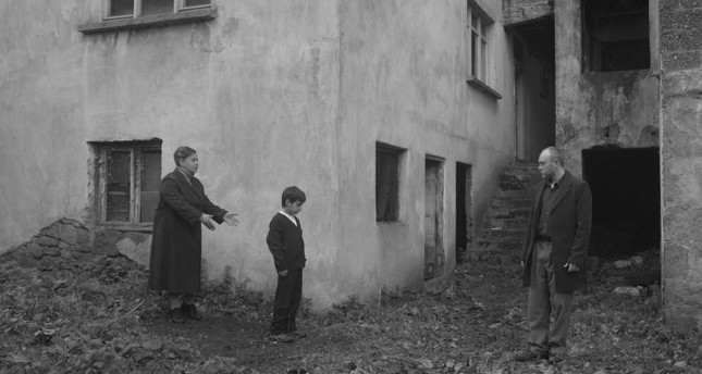 "A still from ""Yol Kenarı."""