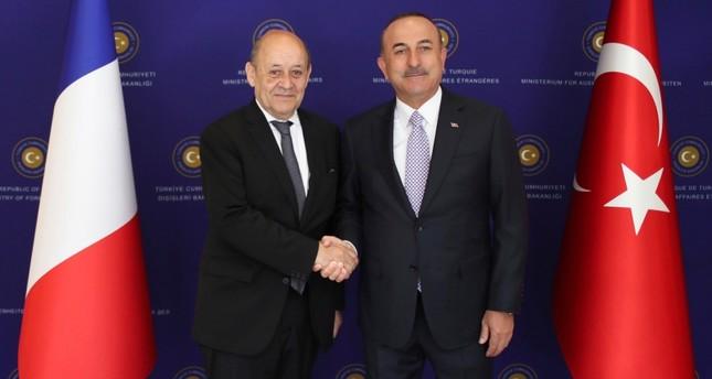 تشاوش أوغلو: تركيا ترفض التعاون الفرنسي مع منظمة ي ب ك الإرهابية