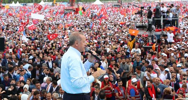 أردوغان: الشعب التركي سوف يعطي الجواب المناسب للغرب الذي ينتظر سقوطي