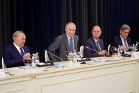 |Putin bei einem Treffen mit deutschen Geschäftsmännern am 11.10.2017 (EPA)