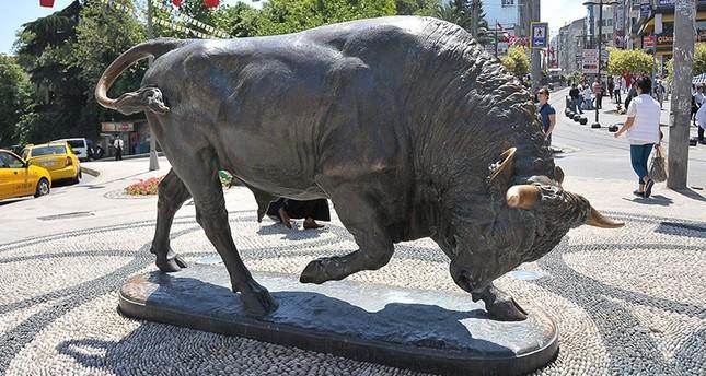 Kadıköy's landmark bull statue finally earns its resting place