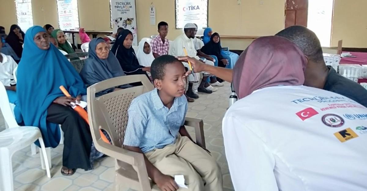 Turkish volunteers joined local doctors for medical examinations of locals in Garissa, Kenya.