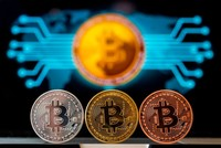 Bitcoin falls below $4,500, sheds third of value in week
