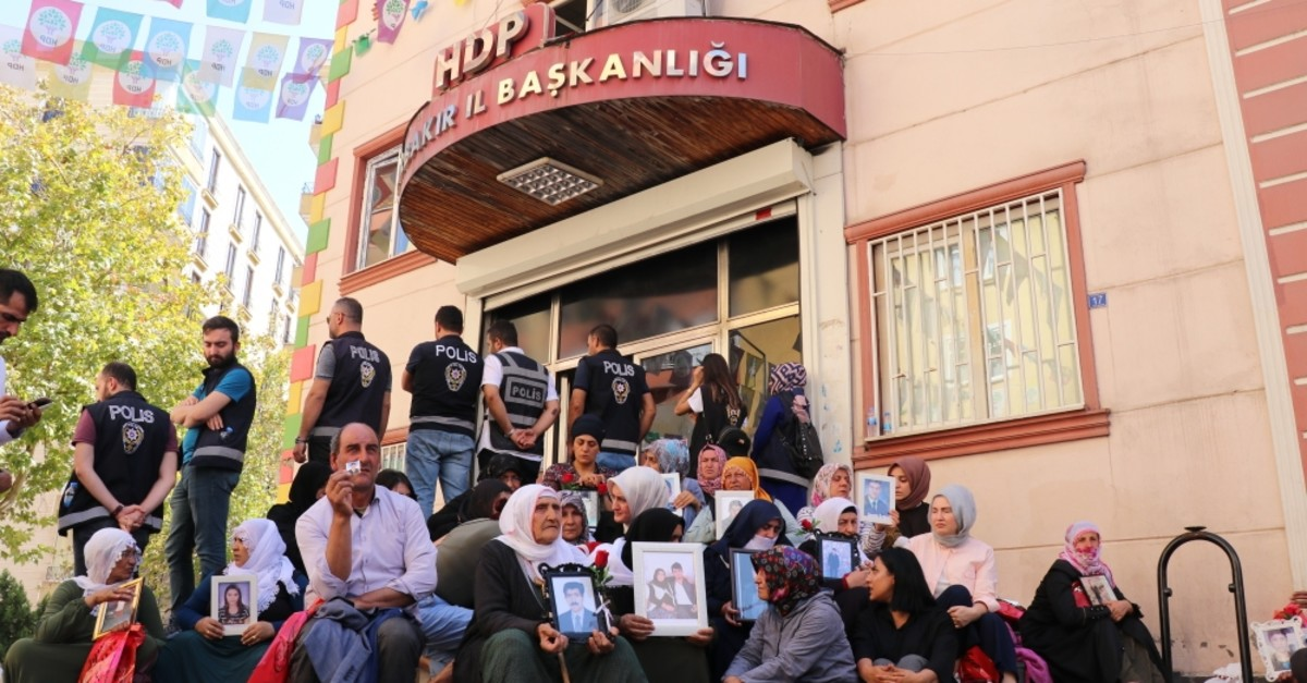 Kurdish mothers, who demand return of their children abducted by the PKK terror group, been conducting a sit-in protest in front of the Peoplesu2019 Democratic Partyu2019s (HDP) provincial office in Diyarbaku0131r for more than two weeks, Sept. 18, 2019.