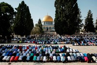 Israeli authorities prevented Muslims from entering Al-Aqsa Mosque Wednesday while some 200 Jewish settlers were allowed to enter the mosque compound ahead of the Jewish Rosh Hashana (New Year)...