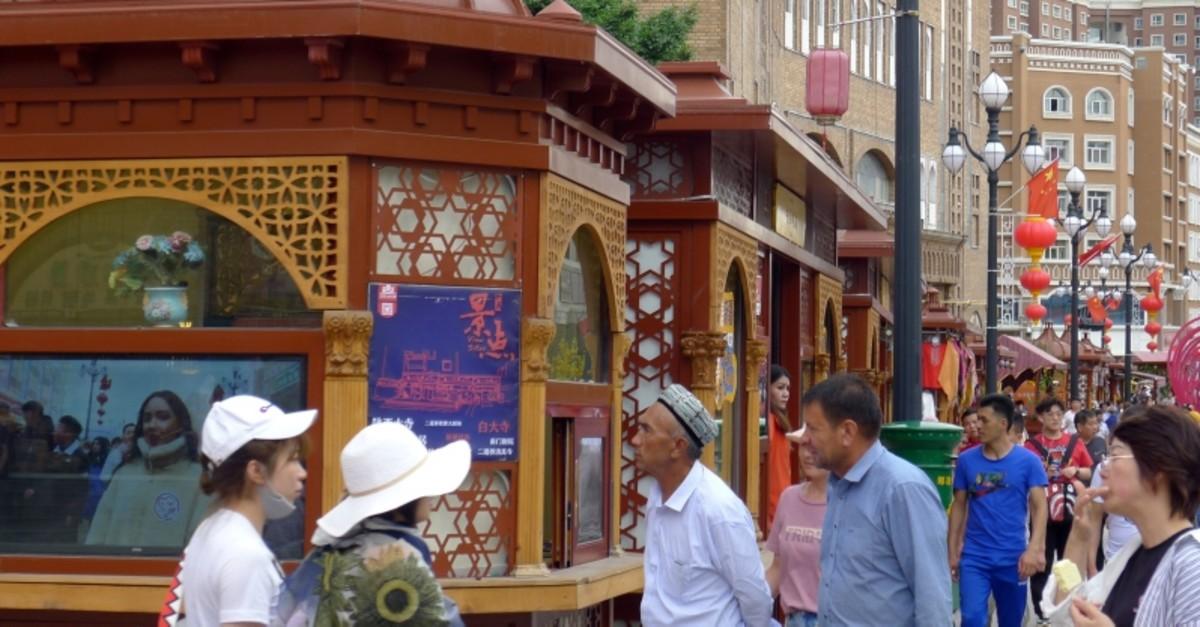 People in central Urumqi (IHA file photo)
