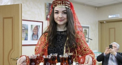 pTurkish tea has been introduced in Kazan, the capital city of the Russian region of Tatarstan, in an event organized at the Kazan People's Assembly./p  pDuring the occasion, titled ''Samovar:...
