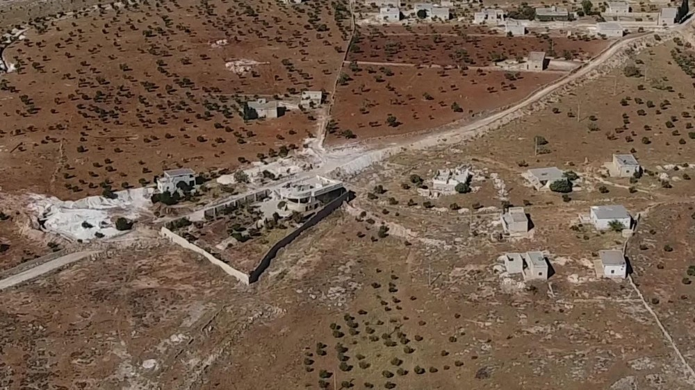 The tunnels built in Afrin by the cements reportedly provided by the Lafarge plant links the YPG terrorist command centers with strategic points and surveillance towers.