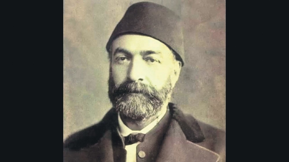 Ziya Pasha represented the balance between the old and new. He was a very wise man, which is reflected in his poetry.