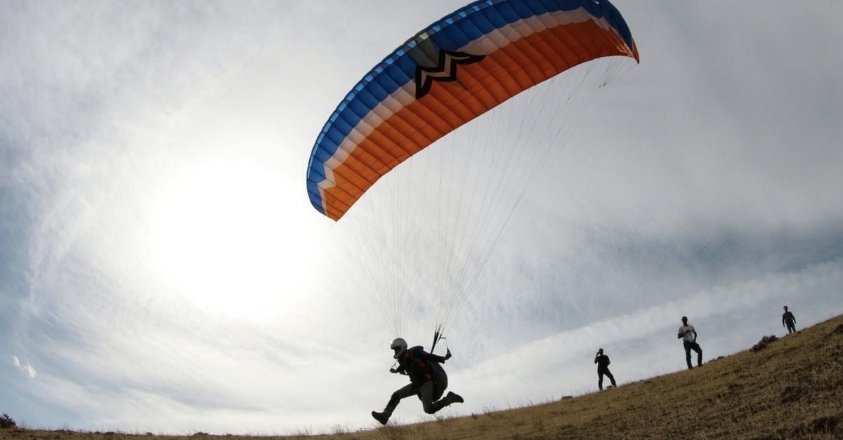 Amateur paragliders are trained at the foothills of Mount Au011fru0131, Turkeyu2019s highest peak.