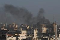 إسرائيل تشن غارات جوية على غزة والاتحاد الأوروبي يدعو لوقف التصعيد