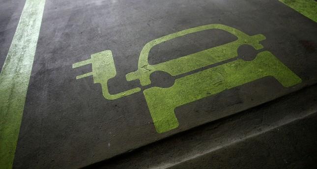 Electric cars and renewables not enough to meet Paris climate goal