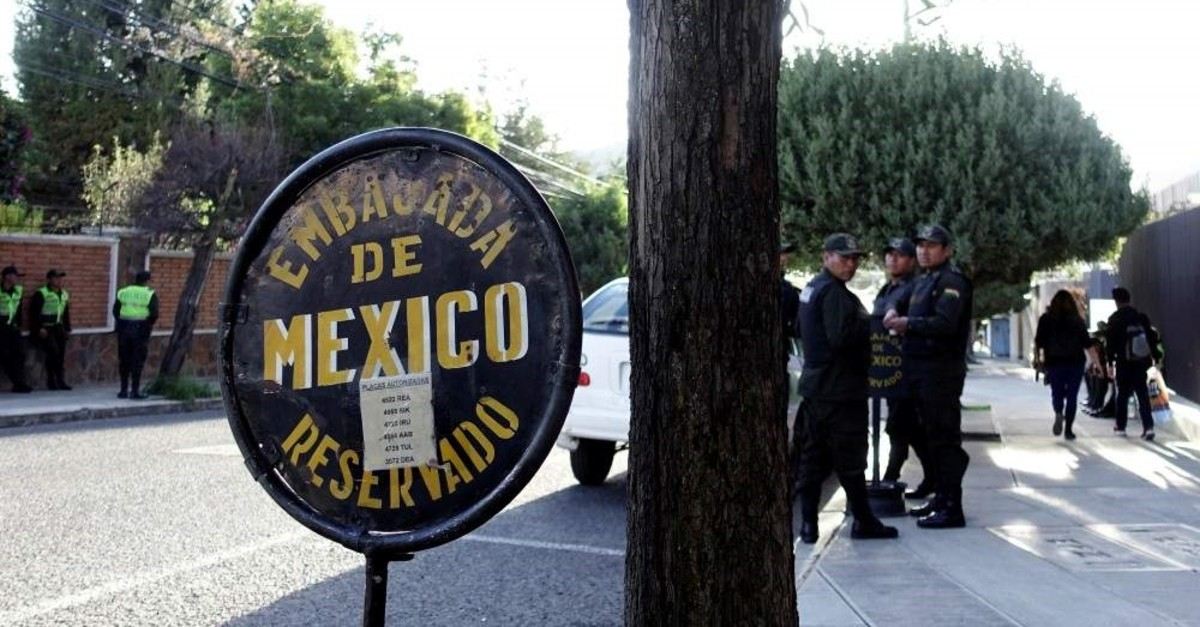 Police officers stand guard next to Mexico's embassy, La Paz, Dec. 24, 2019. (REUTERS Photo)